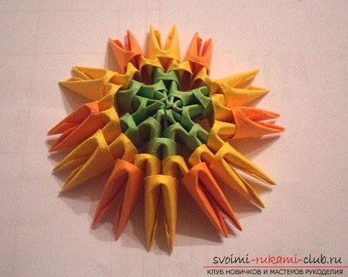 Как сделать сувенир с пасхальной тематикой в технике модульного оригами, пошаговые фото и описание создания пасхального яйца. Фото №6