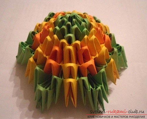 Как сделать сувенир с пасхальной тематикой в технике модульного оригами, пошаговые фото и описание создания пасхального яйца. Фото №11