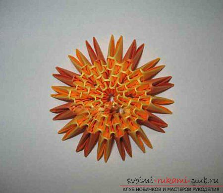 Как сделать сувенир с пасхальной тематикой в технике модульного оригами, пошаговые фото и описание создания пасхального яйца. Фото №36