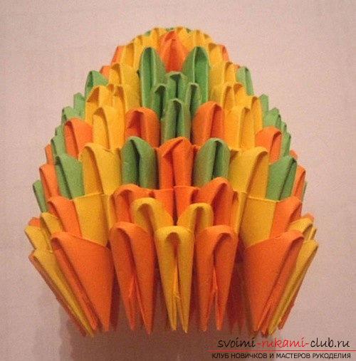 Как сделать сувенир с пасхальной тематикой в технике модульного оригами, пошаговые фото и описание создания пасхального яйца. Фото №21