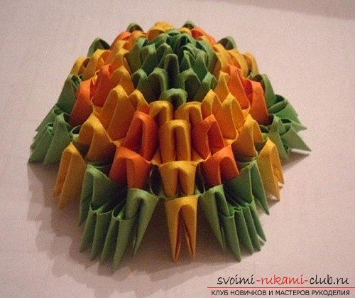 Как сделать сувенир с пасхальной тематикой в технике модульного оригами, пошаговые фото и описание создания пасхального яйца. Фото №10