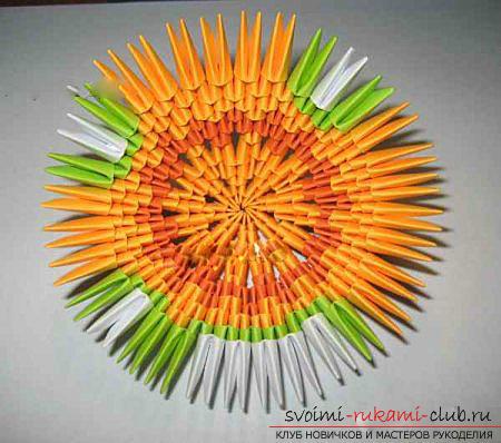 Как сделать сувенир с пасхальной тематикой в технике модульного оригами, пошаговые фото и описание создания пасхального яйца. Фото №42