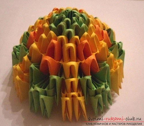 Как сделать сувенир с пасхальной тематикой в технике модульного оригами, пошаговые фото и описание создания пасхального яйца. Фото №14