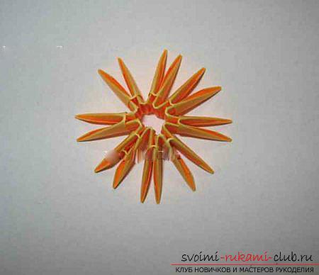 Как сделать сувенир с пасхальной тематикой в технике модульного оригами, пошаговые фото и описание создания пасхального яйца. Фото №32