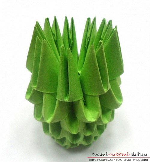 Как сделать сувенир с пасхальной тематикой в технике модульного оригами, пошаговые фото и описание создания пасхального яйца. Фото №26