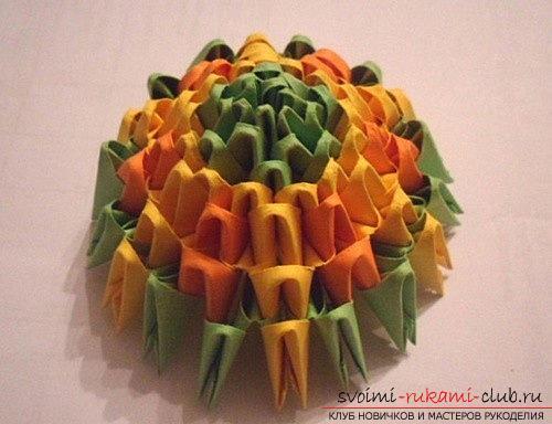 Как сделать сувенир с пасхальной тематикой в технике модульного оригами, пошаговые фото и описание создания пасхального яйца. Фото №9