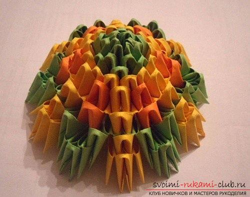 Как сделать сувенир с пасхальной тематикой в технике модульного оригами, пошаговые фото и описание создания пасхального яйца. Фото №13