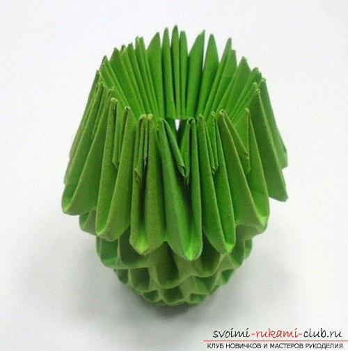Как сделать сувенир с пасхальной тематикой в технике модульного оригами, пошаговые фото и описание создания пасхального яйца. Фото №27