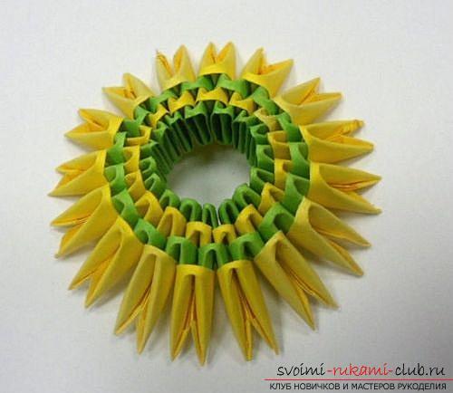 Как сделать сувенир с пасхальной тематикой в технике модульного оригами, пошаговые фото и описание создания пасхального яйца. Фото №29