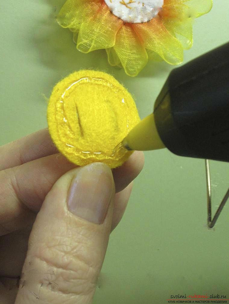 Как сделать бантики канзаши своими руками, подробные мастер классы с пошаговыми фото. Фото №40