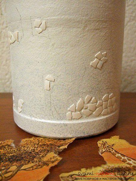 Декупаж бутылки в африканском стиле, поделки из скорлупы, как сделать мозаику из скорлупы своими руками, мозаика из яичной скорлупы на стеклянной бутылке, подробный мастер-класс по декорированию бутылки в африканском стиле.. Фото №21