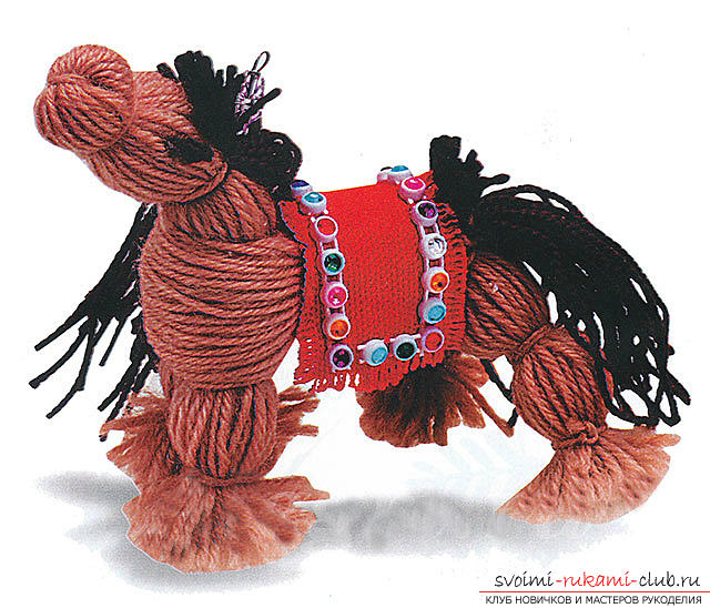 Лошадка своими руками, игрушка лошадка, лошадка из носков своими руками, лошадка из ниток своими руками, как сделать лошадку из подручных материалов, советы, рекомендации и поэтапные фото