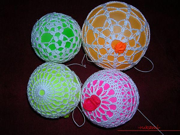 Как связать крючком новогодний шар, пошаговые фото создания елочного шара из ниток со схемами вязания. Фото №8
