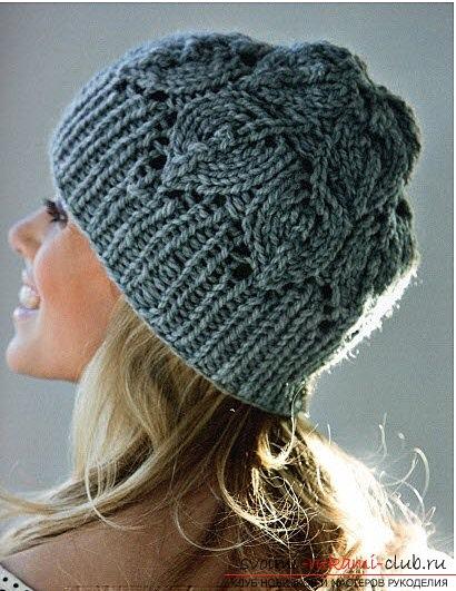 Модная шапка вязаная спицами