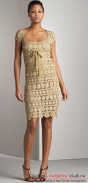 модное ажурное платье вязаное