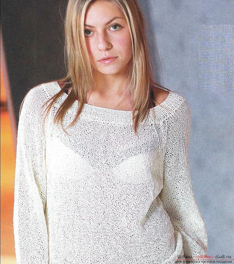 Кстати, на нашем сайте вы можете найти и другие вязаные женские пуловеры спицами с описанием. Наш пуловер готов