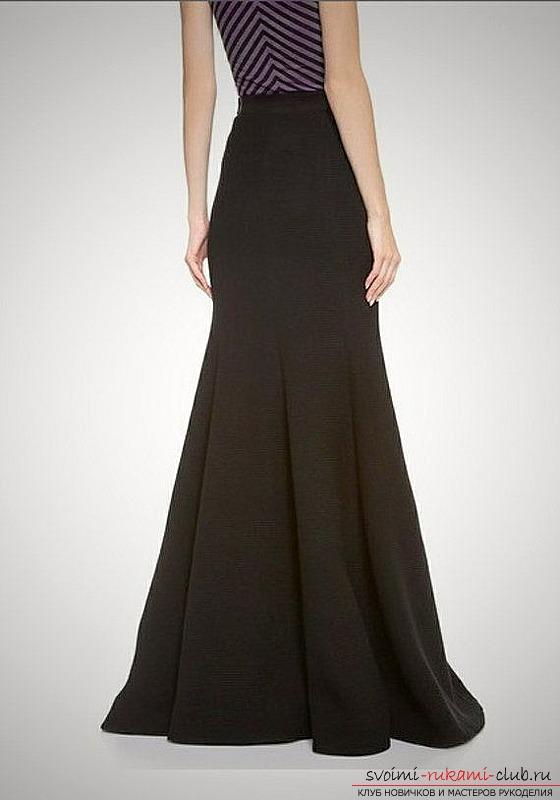 Черная строгая юбка в пол