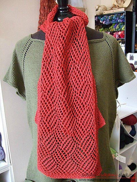 Оригинальный яркий шарф