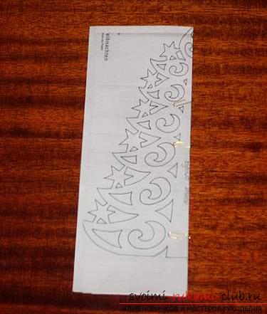 фото примеры процесса изготовления ажурной ёлочки из бумаги. Фото №12