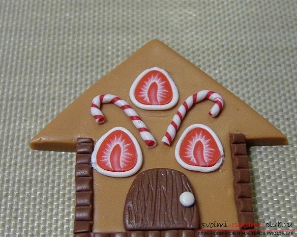 Пряничный домик из полимерной глины - новогодний мастер-класс своими руками. Фото №4