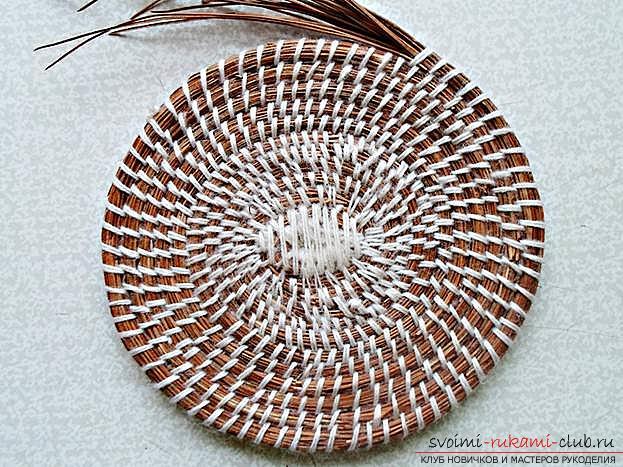 Плетение оригинальной корзины из сосновых иголок с объяснениями и поэтапными фото.. Фото №12