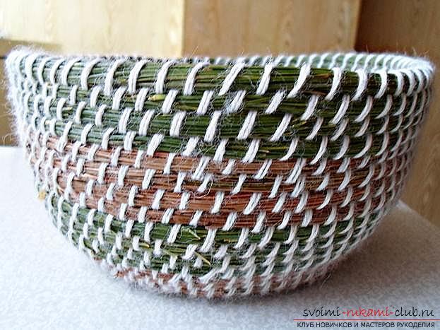 Плетение оригинальной корзины из сосновых иголок с объяснениями и поэтапными фото.. Фото №18