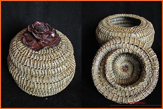 Плетение оригинальной корзины из сосновых иголок с объяснениями и поэтапными фото.. Фото №1