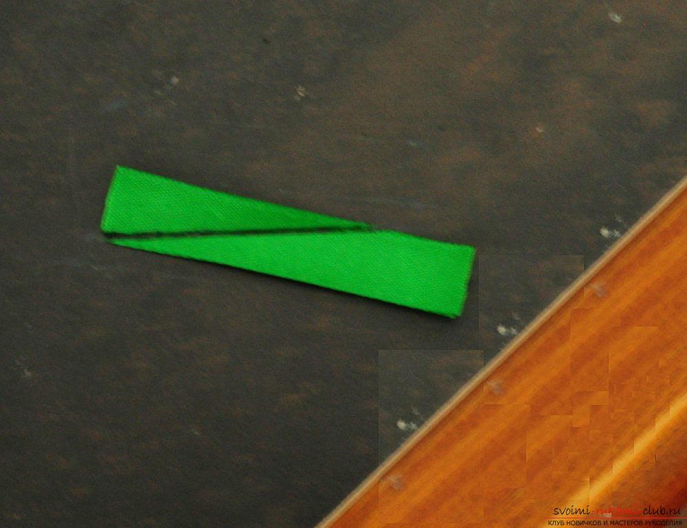 Как декорировать повязку для волос в технике канзаши, подробный мастер класс по созданию многоцветных круглых лепестков и украшению повязки для волос.. Фото №18
