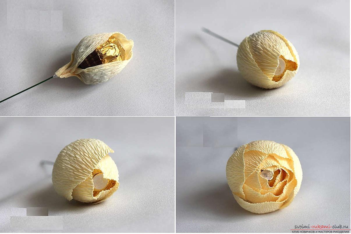 Как сделать конфетный букет из роз, пошаговые фото и инструкция создания роз из гофрированной бумаги с сердцевинками из конфет. Фото №15