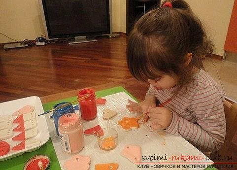 Как старая лампочка и соленое тесто могут стать украшениями для ёлочки? Мастер-класс