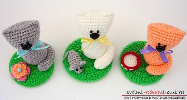Множество игрушек амигуруми своими руками: котик, мышка, миска с молочком и цветочная поляна