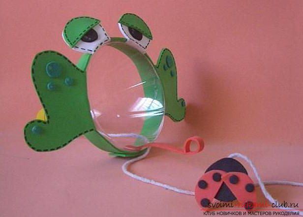 Лягушка из пластиковых бутылок своими руками поэтапно