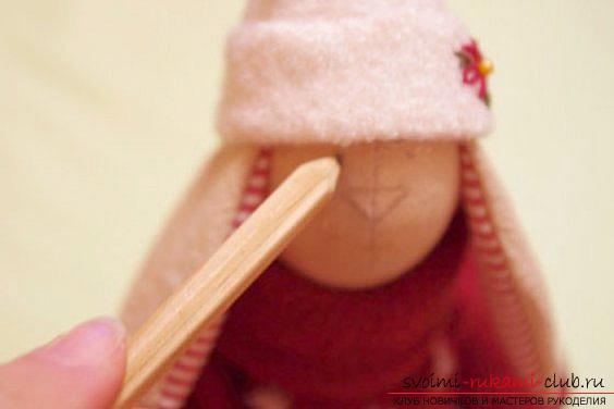 Кукла Тильда своими руками, популярный заяц Тильда, новогодний заяц Тильда, как правильно выбрать ткань для пошива зайца Тильда, выкройки зайца, выкройки одежды для зайца Тильда.. Фото №28