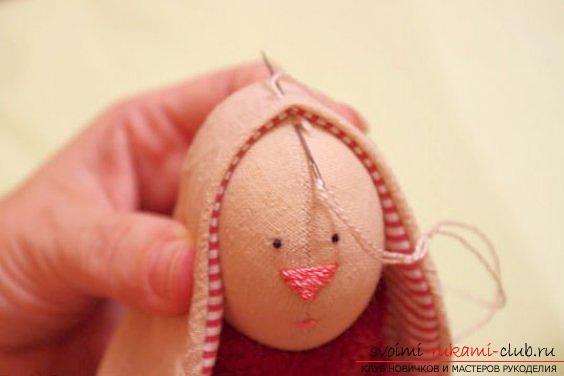 Кукла Тильда своими руками, популярный заяц Тильда, новогодний заяц Тильда, как правильно выбрать ткань для пошива зайца Тильда, выкройки зайца, выкройки одежды для зайца Тильда.. Фото №29