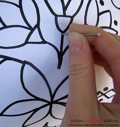 Как сделать красивые и оригинальные изделия из различных овощей, пошаговые фото и инструкция создания цветов из лука, мокови, краснокочанной и пекинской капусты, поделки из тыквы в технике карвинг. Фото №49