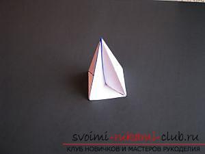 Как сделать декоративное деревце из бумаги, несколько мастер классов по созданию деревьев в технике квилинг, топиариев из бумаги и оригами. Фото №36