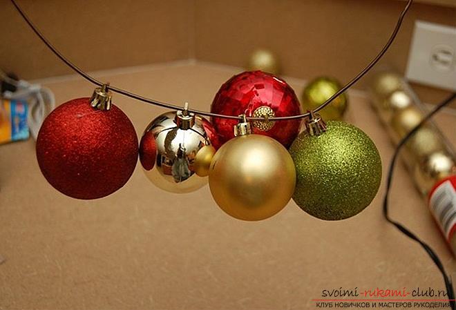Новогодний венок из шаров своими руками мастер