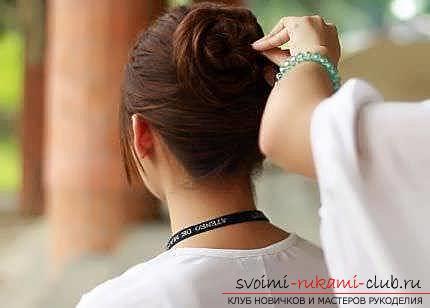 Мастер-класы по созданию модных причесок на средние по длине волосы своими руками за 5 минут. Фото №22