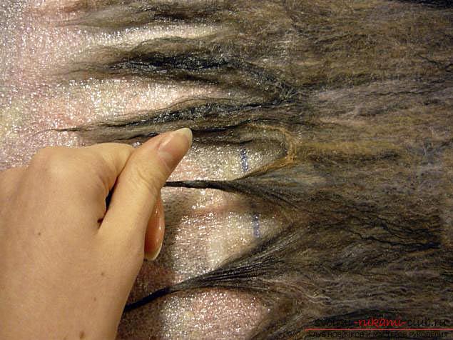 Как свалять стильный шарфик своими руками. Фото №9