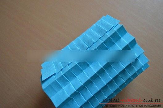 Урок оригами новогодней бумажной игрушки и мастер-класс новогоднего рукоделия. Фото №5