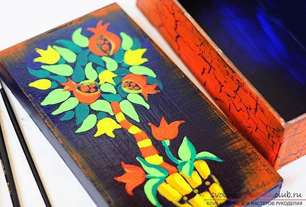 Как расписывать дерево. Поэтапная инструкция, материалы для росписи. Рисуем акриловыми красками по дереву. Фото №2