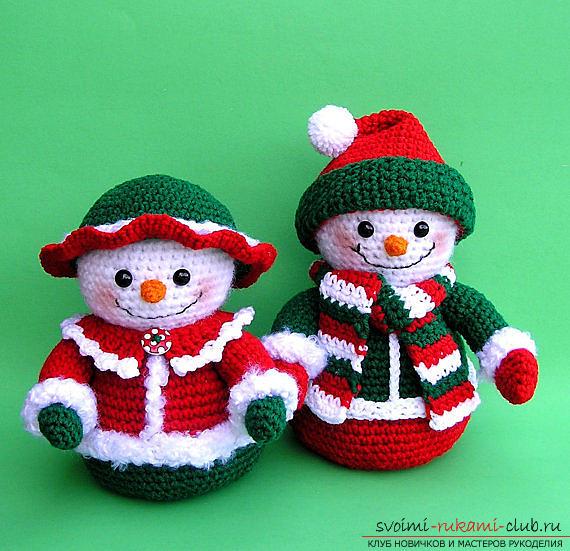 Яркий снеговик амигуруми крючком с описанием и фото. Фото №5