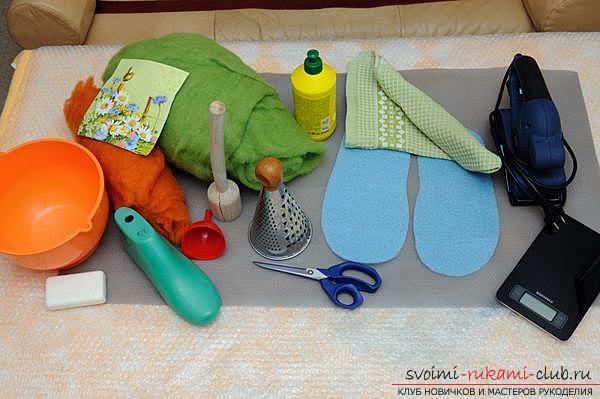 Как создать своими руками удобные тапочки методом валяния. Фото №1