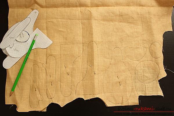Мастер-класс по пошиву текстильной куклы Большеножки с готовой выкройкой и фотографиями.. Фото №2