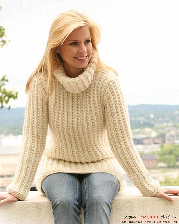 Вяжем свитер простым узором по схеме. Фото №1