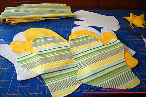 фото инструкция по пошиву варежек-прихваток для кухни своими руками. Фото №3