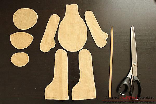 Мастер-класс по пошиву текстильной куклы Большеножки с готовой выкройкой и фотографиями.. Фото №3