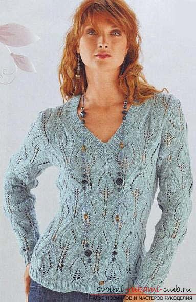 Связать красивый пуловер узором листочки. Фото №3