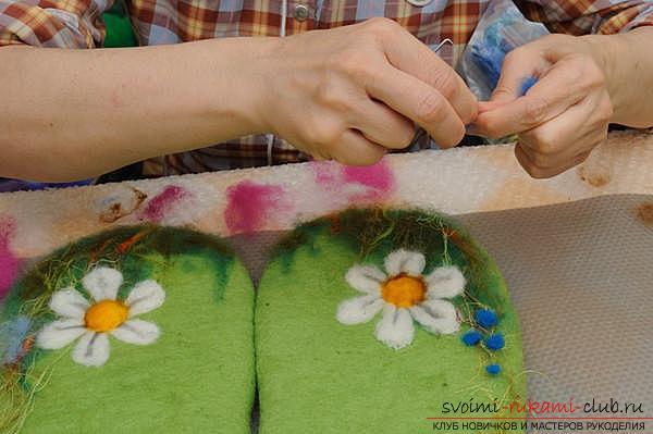 Как создать своими руками удобные тапочки методом валяния. Фото №12