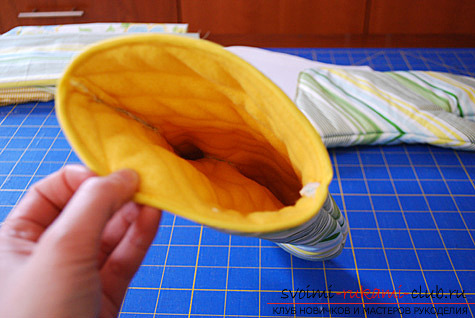 фото инструкция по пошиву варежек-прихваток для кухни своими руками. Фото №13